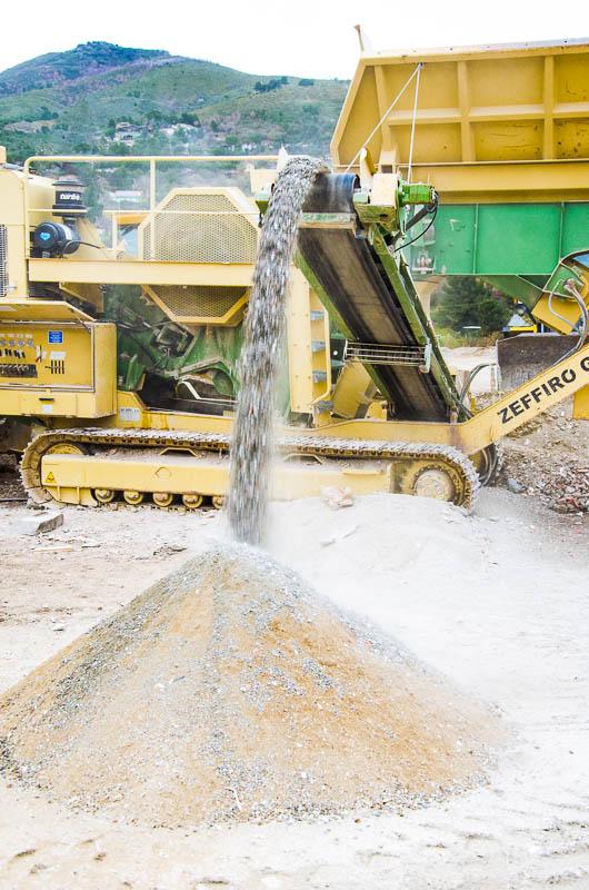 val smaltimento inerti edili terra e rocce - vagliatore inerti e terra